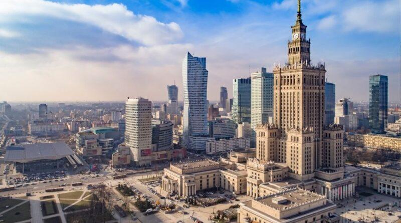 Jakie atrakcje czekają na turystów w Warszawie?